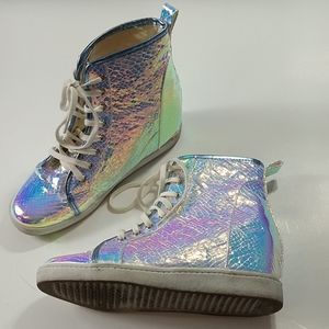 Deena and Ozzy Holographic wedge sneakers s 9